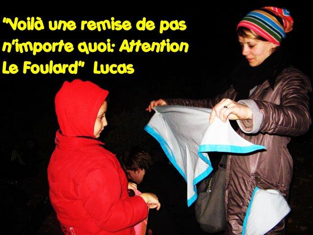 remise du foulard à Lucas par Amandine
