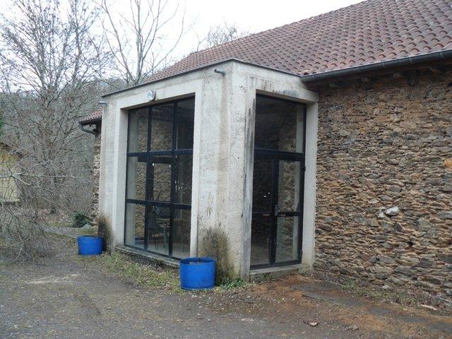 Grange extérieur, entrée