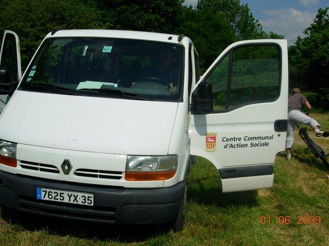 Un grand merci au CCAS de St Malo, qui a prêté le minibus.