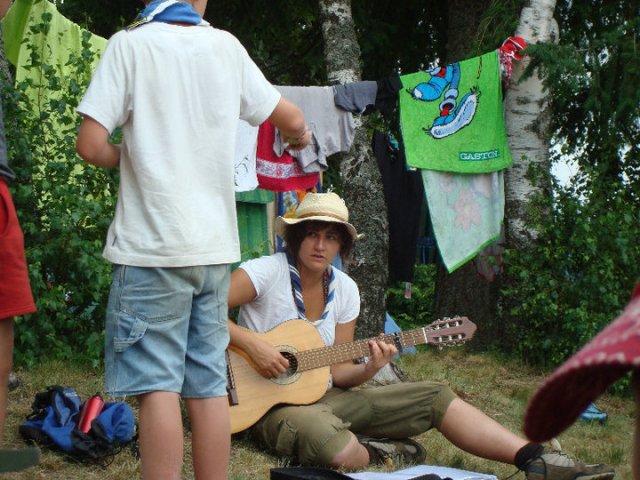 Maëlys et sa guitare