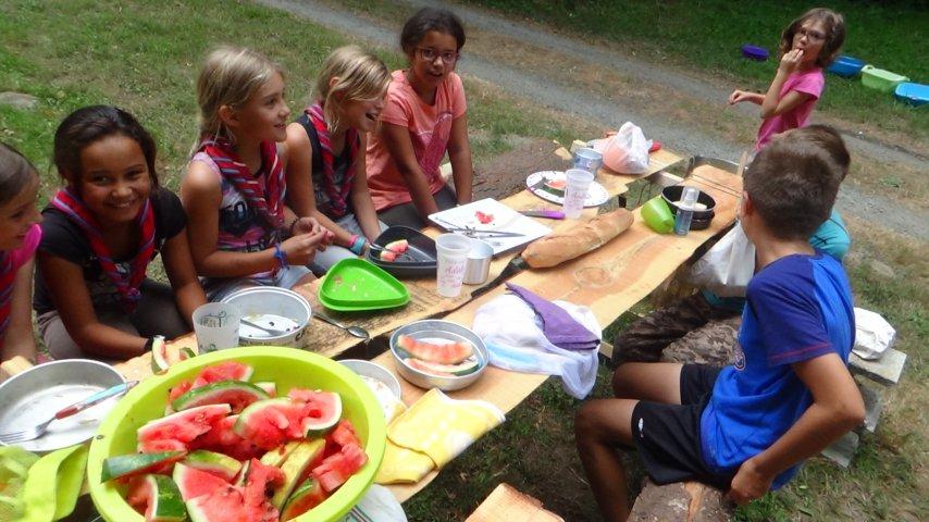 Premier repas du camp