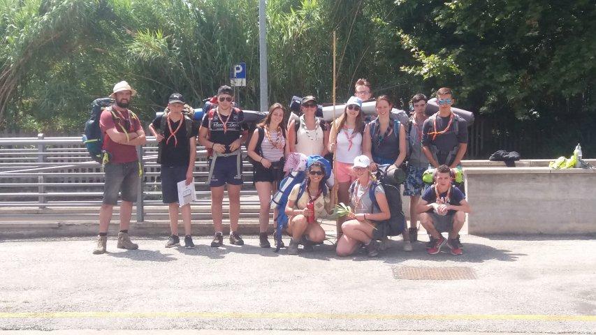grand départ à la gare de Lido de Camaiore des aînés pour la via Francigena