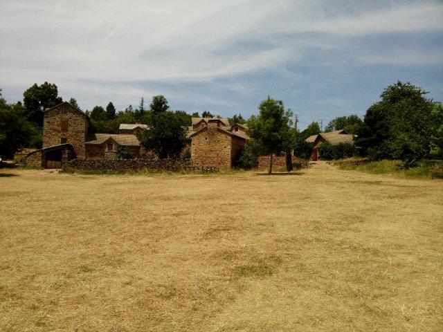 le hameau de bécours