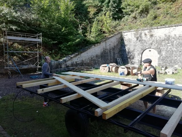 début d'installation du plancher