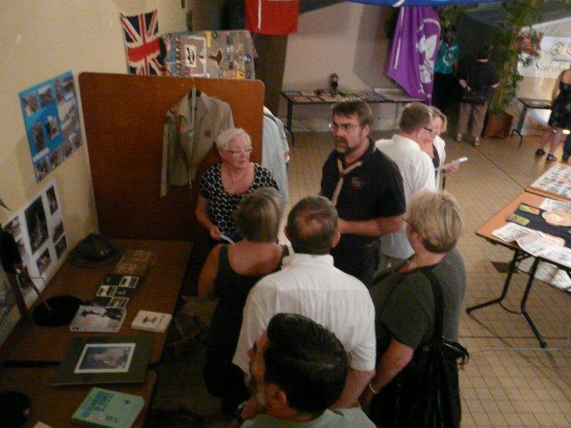 visite officielle avec les élus devant le stand de la 1ère Lambersart (année 60)