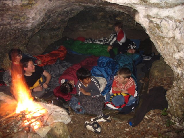 bivouac dans le grotte