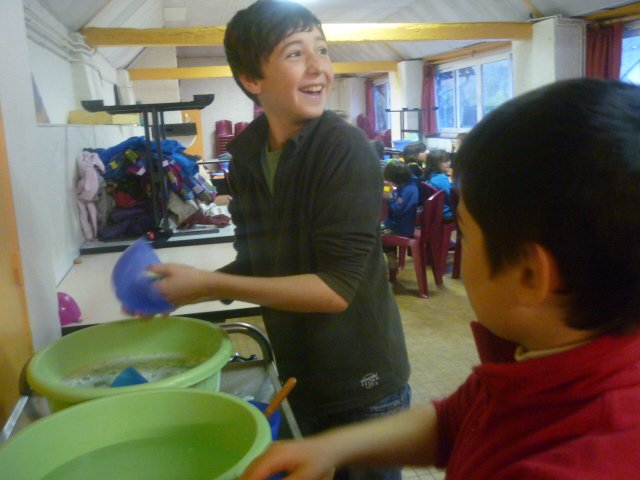 La vaisselle en souriant !